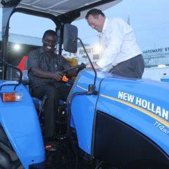 New-Holland-Tractor-800x618-245x246.jpg
