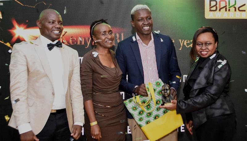 R-L-Kui-Kinyanjui-Head-of-Corporate-Communications-at-Safaricom-Magunga-Williams-of-magunga.com-Jane-Muthoni-GM-at-BAKE-and-kennedy-Kachwanya-BAKE-Chair-800x458 Best bloggers: Women make a strong push in online writing