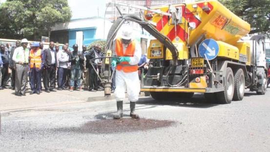 Potholes-in-nairobi-2 Nairobi to get machine that fixes potholes in 5 mins