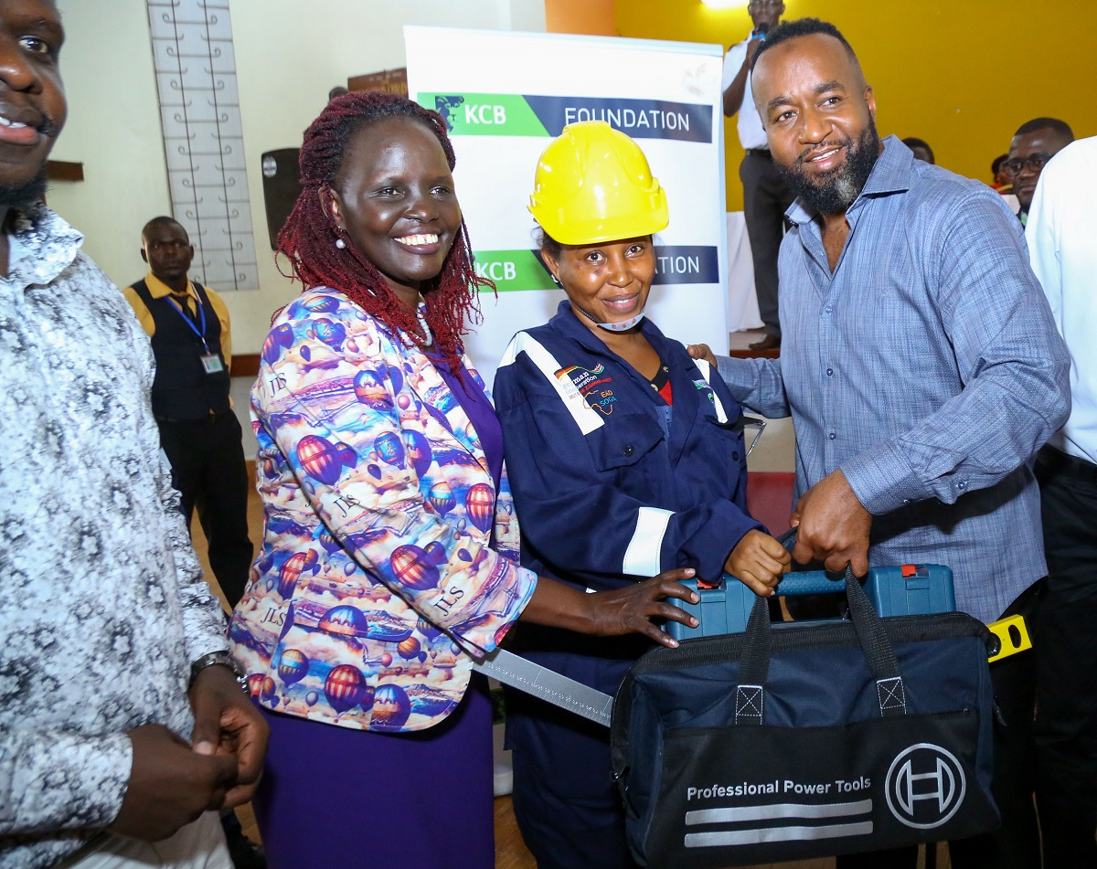 KCB Regional Business Manager- Coast region, Jane Isiaho, with Mombasa Governor, Ali Hassan Joho and Elpinah Mbole receiving the toolkits under the KCB 2jiajiri programme. This was during the KCB Foundation construction sector beneficiaries' toolkits handover event. www.businesstoday.co.ke