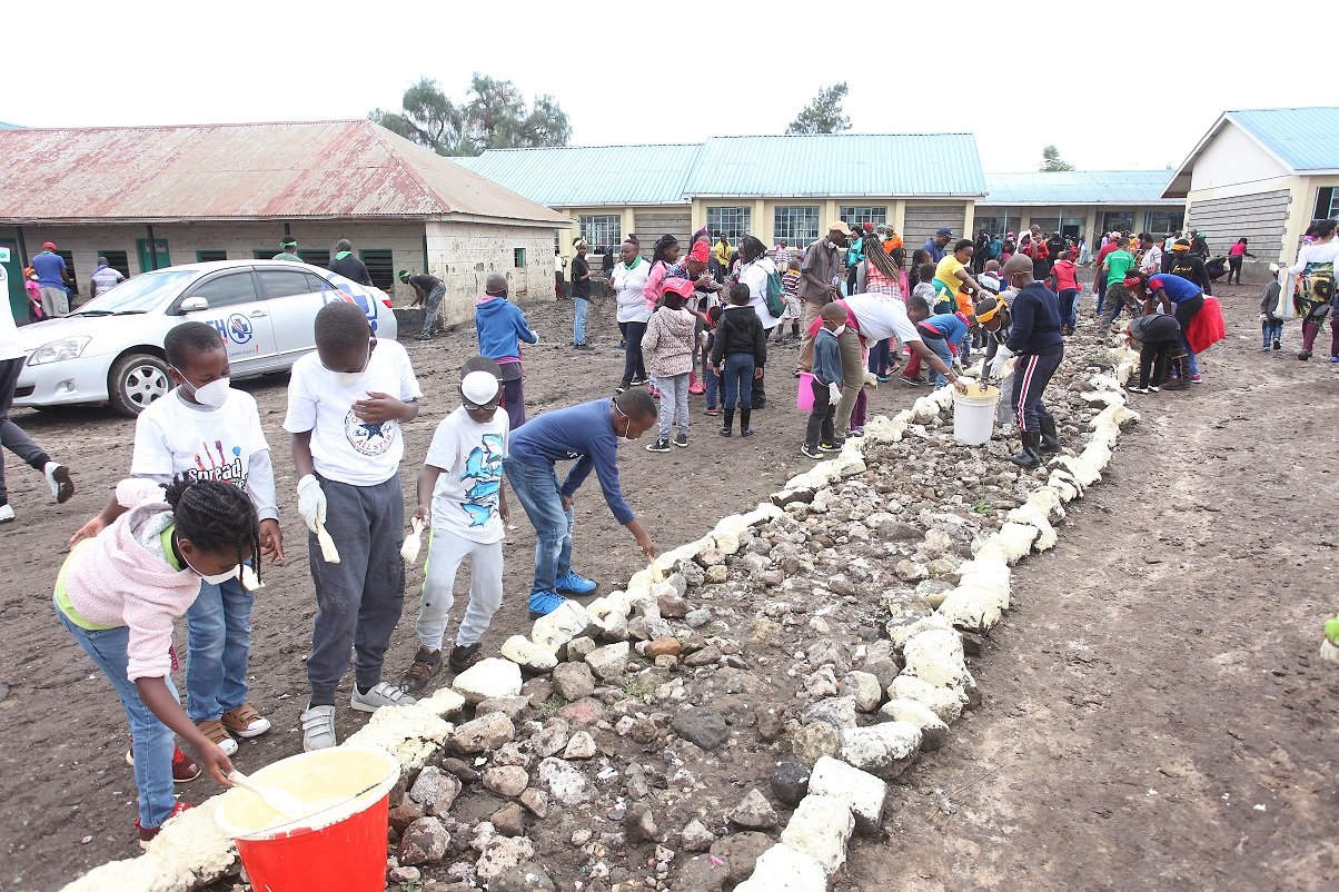 Mavuno Church members at Mavoko Primary School. The church has increased its Spread The Love Campaign kitty to Ksh 20 million. www.businesstoday.co.ke