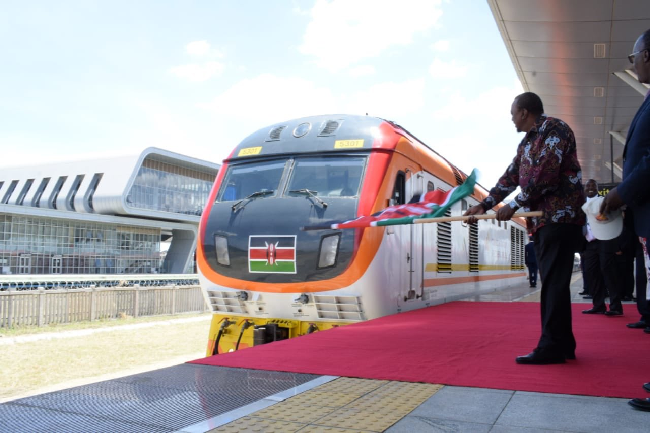 President Uhuru Kenyatta officially flags off the inaugural Nairobi-Suswa SGR trip. www.businesstoday.co.ke