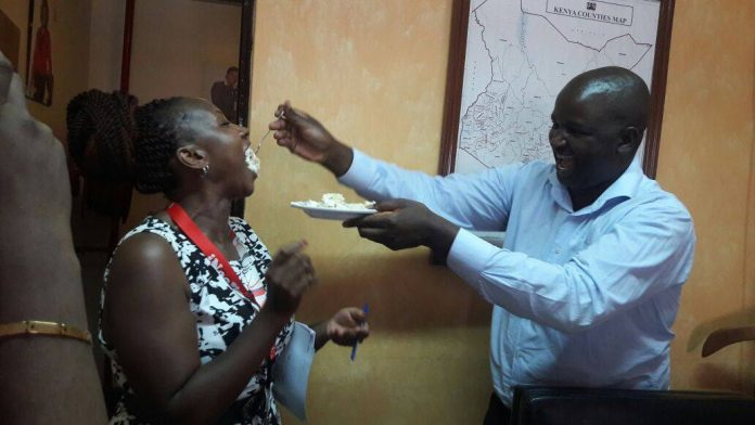 Radio Citizen Managing Editor Robin Njogu (right) during a birthday party in 2017. He passed away while receiving treatment at Aga Khan Hospital.