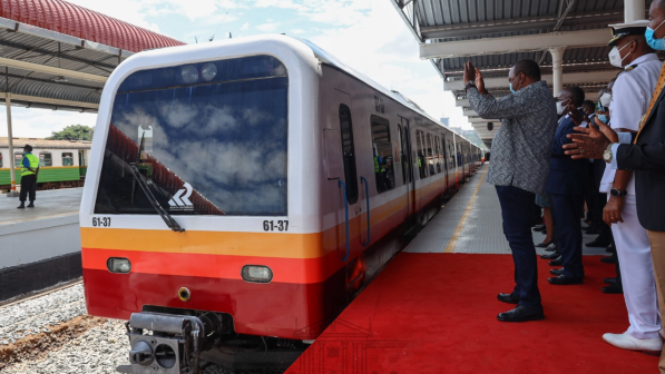 President Uhuru Kenyatta launching DMUs for the Nairobi Commuter Rail Service (NCRS) in November 2020. 6 more DMUs arrived in the country from Spain in May, Kenya Railways Corporation (KRC) confirmed on May 25, 2021. [Photo/ Nairobi Metropolitan Services]