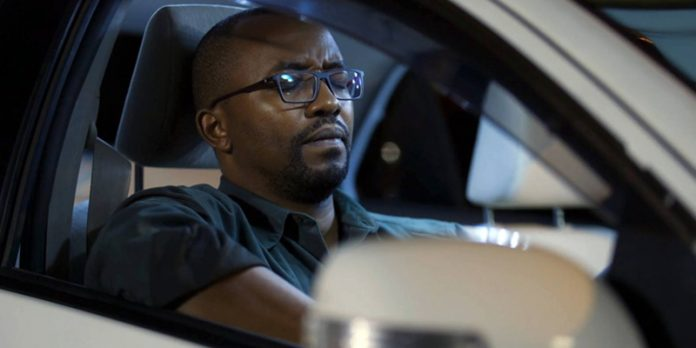 In Njoro wa Uba, Joe Kinyua plays Njoro, a man who is forced to become a taxi driver to make ends meet after he loses his lucrative job due to allegations of fraud.
